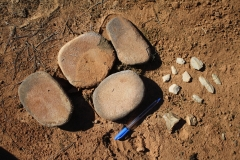 20 Tinderry grinding stones & flakes